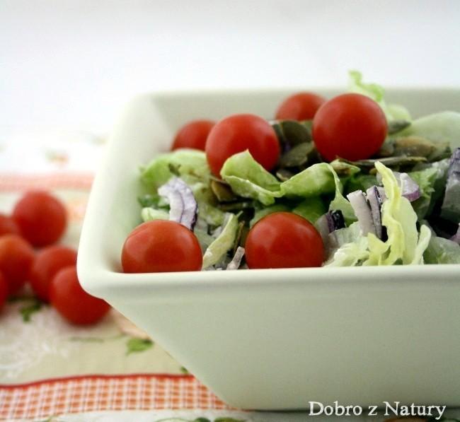 sałatka z pomidorami