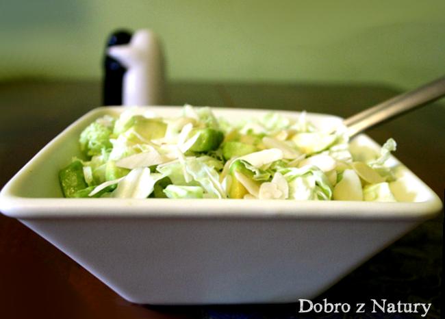 zielona salatka z awokado
