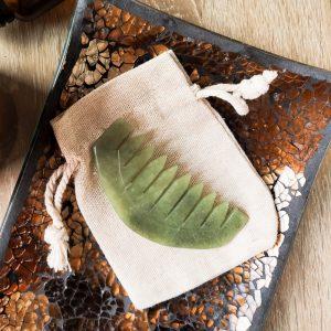 Jadeitowy grzebień do masażu Gua Sha
